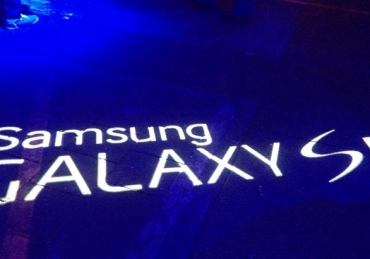 Galaxy Goes Hollywood | starring. Samsung Galaxy S5