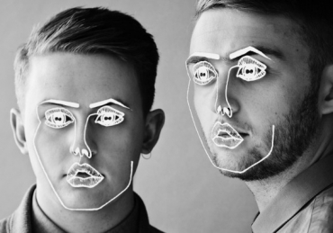 Disclosure ft. Gregory Porter – Holding On (Live at Wild Life)