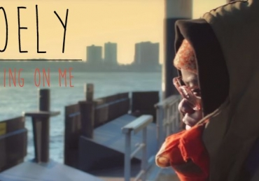 Coely – Nothing On Me