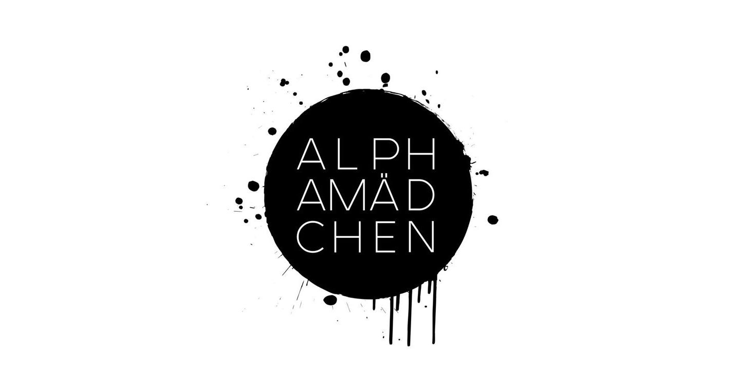 01 - Alphamaedchen